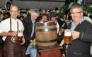 Bürgermeister Dr. Schick, Hermann Josef Koch und Manfred Kreuser (von links) eröffneten das siebte Oktoberfest. Foto: Reiner Züll