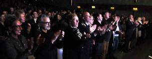 Am Ende des Konzertes gab es stehenden Applaus für die Musiker. Foto: Reiner Züll