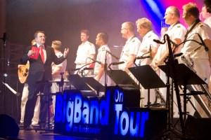 Die Big Band der Bundeswehr (hier bei einer Veranstaltung der Kreissparkasse) hat viele begeisterte Fans. In Bad Münstereifel spielen die Musiker ein Benefizkonzert für Piéla. Bild: Tameer Gunnar Eden/Eifeler Presse Agentur/epa