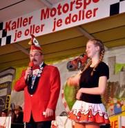 Löstige-Bröder-Chef Harald Thelen verabschiedet Jugendprinzessin Lara Blatt. Foto: Reiner Züll