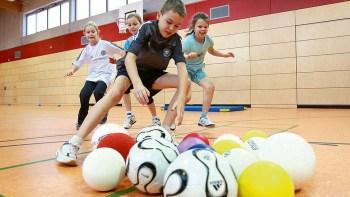 Spielerische Förderung des Jugendfussballs für Mädchen und Jugend hat sich die JSG Oleftal - SG92 - SV Nierfeld auf die Fahnen geschrieben. Bild: SG Oleftal-SG 92