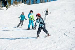 Auch in Ovifat, dem einzigen Alpinski-Areal der Region, war der Andrang groß. Fotos: eastbelgium.com/D.Ketz