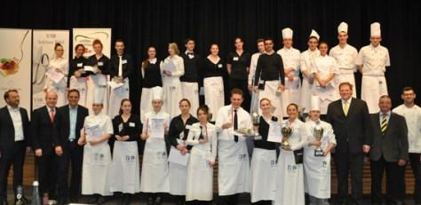 Stolz stellten sich die Akteure des Wettbewerbs zum finalen Gruppenfoto. auf. Bild: Reiner Züll