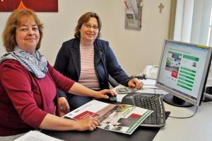 Beatrix Salz (Caritas-Schuldnerberaterin) und Martina Deutschbein (Caritas-Insolvenzberaterin) bieten Hilfe im Überschuldungsfall. Foto: Carsten Düppengießer