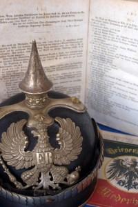 Ein Symbol für Preußen: Die Pickelhaube war eine zunächst rein militärische, dann auch polizeiliche Kopfbedeckung, die erstmals ab 1843 in der preußischen Armee eingesetzt und später auch von anderen Ländern übernommen wurde. Bild: Heike Pütz / Kreis Euskirchen