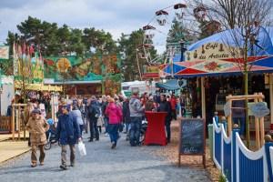 """Trotz kalten Wetters kamen bereits 16.000 Besucher zum """"Jahrmarkt anno dazumal. Bild: Hans-Theo Gerhards/LVR"""