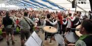 Auch beim Frühschoppen am Sonntag war das Festzelt in Hohenau bis auf den letzten Platz besetzt. Foto: Reiner Züll
