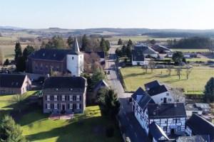 Welche Perspektiven haben Dörfer wie beispielsweise Holzheim im Kreis Euskirchen? Um diese und ähnliche Fragen geht es beim Demografie-Forum 2019 auf Vogelsang. Bild: Tameer Gunnar Eden/Eifeler Presse Agentur/epa