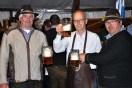 Bürgermeister Dr. Hans Peter Schick (Mitte) miit den beiden Festoragnisatoren Manfred Kreuser (rechts) und Hermann Josef Koch. Foto: Reiner Züll