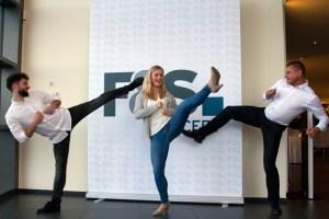 """""""F&S""""-Geschäftsführer Jörg Frühauf (von rechts) kann ebenso wie Jessica Rau und Triumf Beha auf Europameisterschaftstitel in der südkoreanischen Kampfsportart zurückblicken und zeigte, dass er immer noch sportlich ist. Bild: Tameer Gunnar Eden/Eifeler Presse Agentur/epa"""