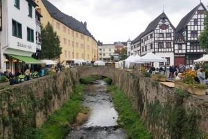 Heute und morgen findet in bad Münstereifel wieder der Michaels- und der Bauernmarkt statt. Bild: Ingo Pfennings