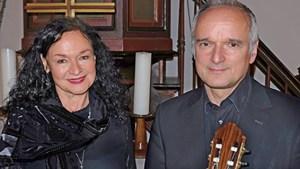 Esther Lorenz und Peter Kuhz bringen ihren Zuhörer jüdische Kultur näher. Foto: Veranstalter