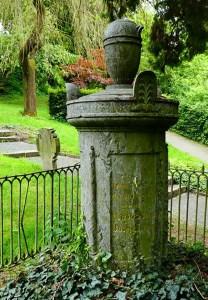 Bei der Exkursion ist auch ein Besuch am Eichendorff-Grab auf dem Kessenicher Friedhof geplant. Foto: Beate Moser