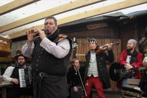 Auch für die passende Musik ist auf dem Szenemarkt wieder gesorgt.  Bild: Karina Rüther