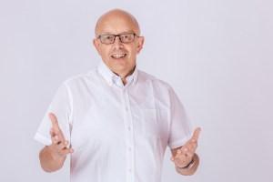 Als Chefarzt der fachübergreifenden Rehabilitation in der Klinik St. Joseph im belgischen St. Vith hat Karl Vermöhlen ab Mitte März die neu geschaffene COVID-Abteilung übernommen. Foto: Schott-Fotografie.de
