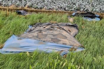 Am Morgen nach der Flut war von den Zelten nicht mehr viel zu retten, die, die noch standen, waren voller Schlamm. Bild: Rudi Kurth