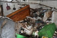 Vom Lager der Feldküche des Löschzuges blieben nur noch Trümmer übrig. Foto: Reiner Züll