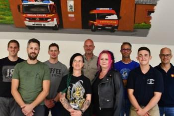 Die Löschgruppe Palmersheim freut sich über gleich neun neue Mitglieder. Bild: Tamara Empt/Kreis Euskirchen