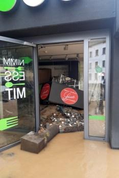 Total zerstört wurde der beliebte Nimm-Ess-Mit-Markt der NEW in Bad Münstereifel, der als Inklusions-Vorzeigeprojekt galt. Bild: NEW