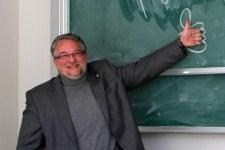 """Auch der Schleidener Ex-Bürgermeister Ralf Hergarten will das Publikum bei """"Vogelslam 3.0"""" mit eigenen Texten begeistern. Archivbild: Michael Thalken/Eifeler Presse Agentur/epa"""