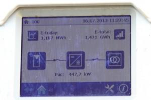 Photovoltaik lohnt sich auch ohne Einspeisevergütung, wie das Umweltministerium jetzt bekannt gibt. Bild: Tameer Gunnar Eden/Eifeler Presse Agentur/epa