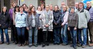 15 Frauen und 5 Männer aus dem Kreis Euskirchen haben jetzt die Schulung von Angehörigen und Ehrenamtlichen im Umgang mit demenziell Erkrankten mit einem Zertifikat abgeschlossen. Bild: Carsten Düppengießer