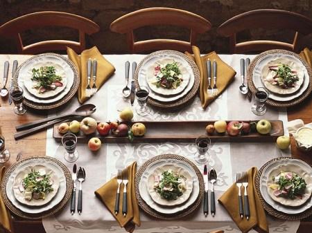 dinner-table-636
