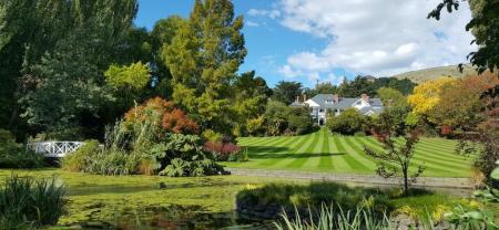 Lawn-at-Otahuna-Lodge-Autumn-954w