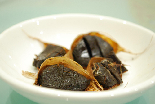 black garlic - black garlic image