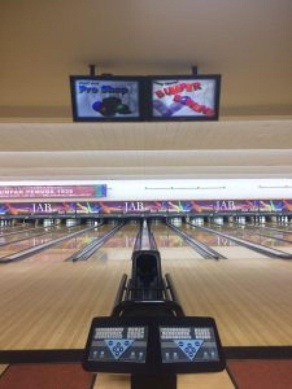Arena permainan bowling - Jakarta Ancol Bowling