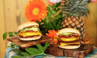 Jollibee Amazing Aloha Yumburger is Back on a Limited Time Offer!
