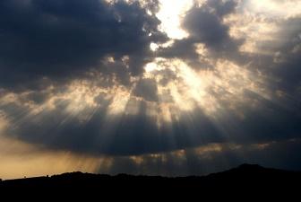 雑記 雲間の光