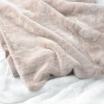 Luxury Faux Fur Throw Blanket Super Soft Oversized Thick Warm Afghan Reversible To Plush Velvet In Blush Chinchilla Machine Washable Eikei