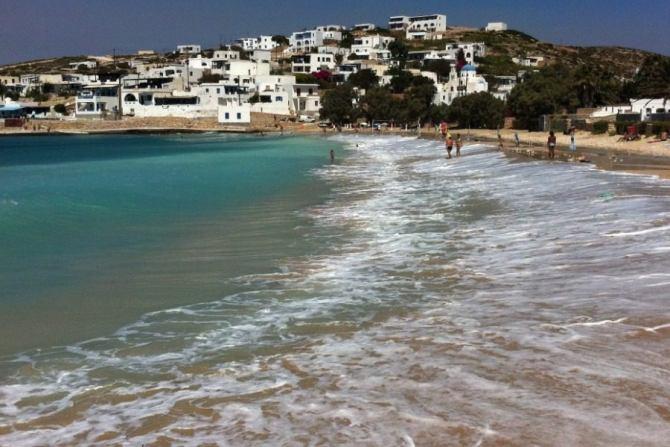 To πανέμορφο ελληνικό νησί που περπατιέται μέσα σε μερικές ώρες