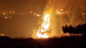 Read more about the article Φωτιά στην Εύβοια: Δραματική η κατάσταση – Εκκενώνονται η Αγία Άννα και το Αχλάδι
