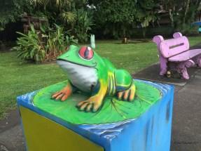 This frog eats trash!