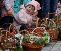 Сколько стоит пасхальная корзина в Украине и у соседей