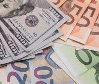 Гривня на межбанке продолжает уверенно укрепляться