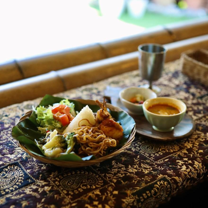民家ジャスミン|香美市土佐山田のインド料理店。バリ島出身店主による本格バリ料理を堪能!