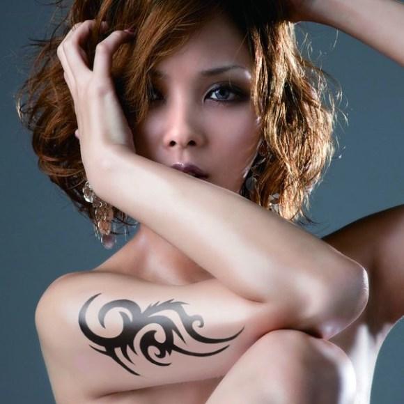 Download Aya Kamiki - EVILÄLIVE [Mini Album]