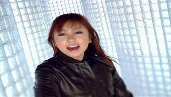 [1999.11.10] Utada Hikaru - Addicted To You (DVD) [480p]   - eimusics.com.mkv_snapshot_01.25_[2015.12.31_20.36.17]