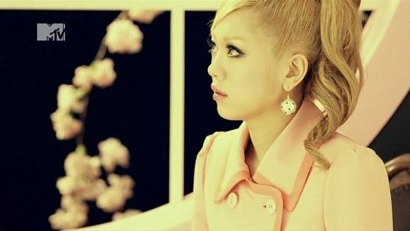 [2012.03.07] Kana Nishino - SAKURA, I love you (MTV) [720p]   - eimusics.com.mkv_snapshot_01.13_[2016.03.04_13.33.27]