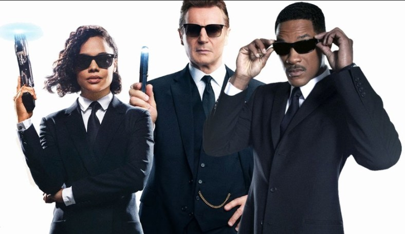 opera 29.10.2019 , 22.58.06 Men in black pictures at DuckDuckGo - Opera
