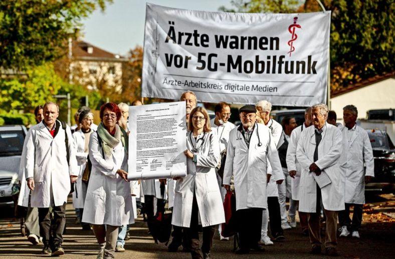 StuttgarterZeitungDemo gegen 5G
