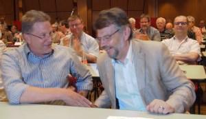 Rolf Metje (l.) und Landrat Michael Wickmann (beide SPD).