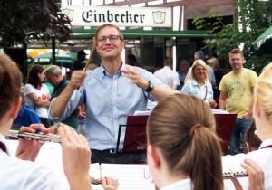 Gibt auch mal gerne den Takt an: Dr. Roy Kühne.