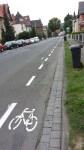 Neu seit wenigen Wochen: der Radfahrschutzstreifen am Hubeweg in Einbeck.