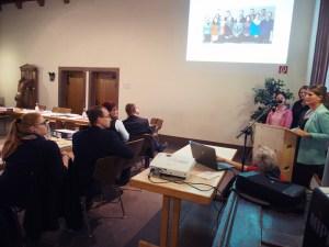 Die Studierenden präsentierten im Fachausschuss des Stadtrates ihre Ergebnisse zur Rückkehrförderung.