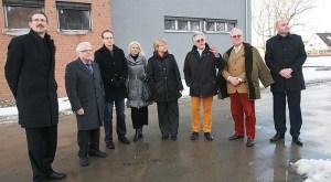 Ministerin Frauke Heiligenstadt (Mitte) mit Vertretern der Kornhaus-Stiftung, der Stadt und der SPD-Kreistagsfraktion.