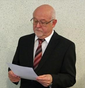 Dr. Hartmut Heuer.
